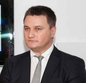 Dr. Roberto LAZĂR